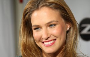 bar_refaeli_face_photo