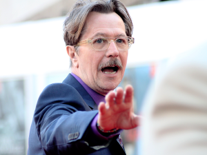 Gary_Oldman_at_the_London_premiere_of_Tinker_Tailor_Soldier_Spy_(4)