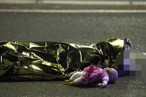 A-child-lies-dead-after-a-terror-attack-in-Nice-France-582160